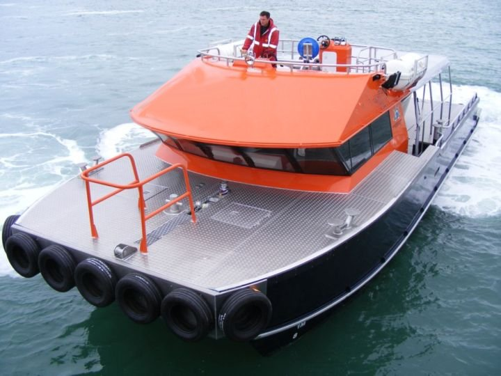 15m_Aluminium_workboat_fwd_view